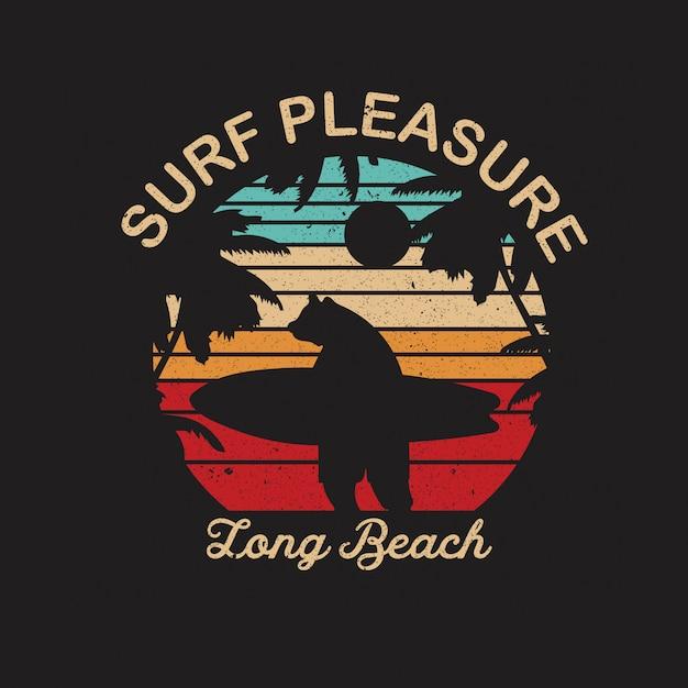 Surfować Przyjemność, Długa Plażowa Ilustracja Z Surfingowiec Sylwetką Premium Wektorów