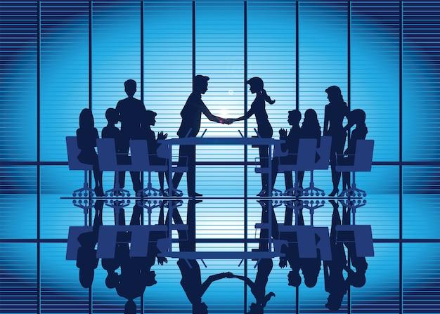 Sylwetki partnerstwa biznesowego uścisk dłoni Premium Wektorów