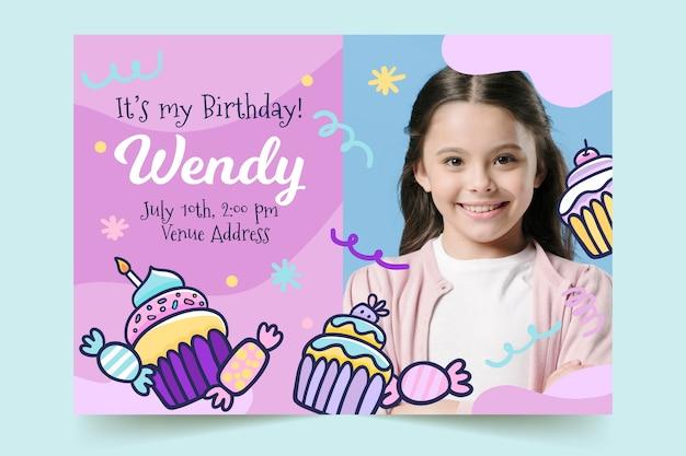 Szablon Karty Urodzinowej Dla Dzieci Ze Słodyczami Darmowych Wektorów