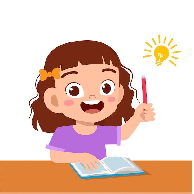 Szczęśliwa śliczna dzieciak dziewczyna studiuje ciężką myśl Premium Wektorów
