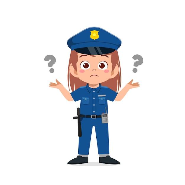 Szczęśliwa śliczna Mała Dziewczynka Ubrana W Mundur Policyjny I Myśli Ze Znakiem Zapytania Premium Wektorów