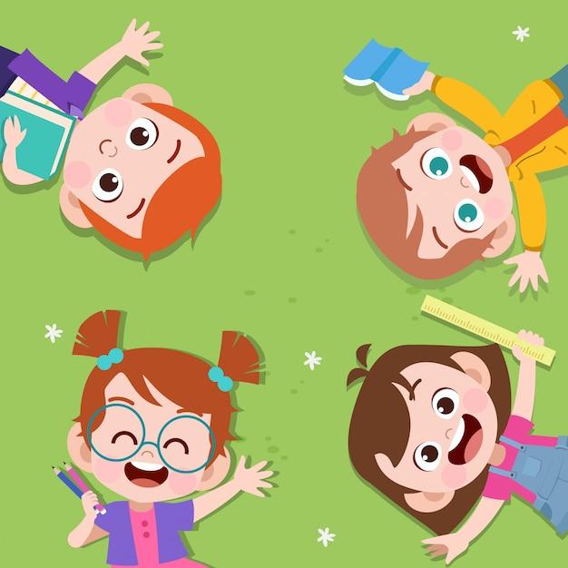 Szczęśliwe Dzieci R. W Parku Premium Wektorów
