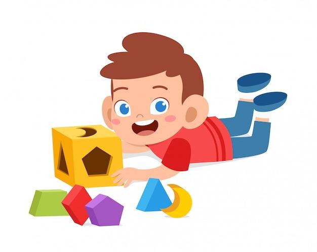 Szczęśliwe Słodkie Dzieci Bawią Się Uczą Się Geometrii 3d Premium Wektorów