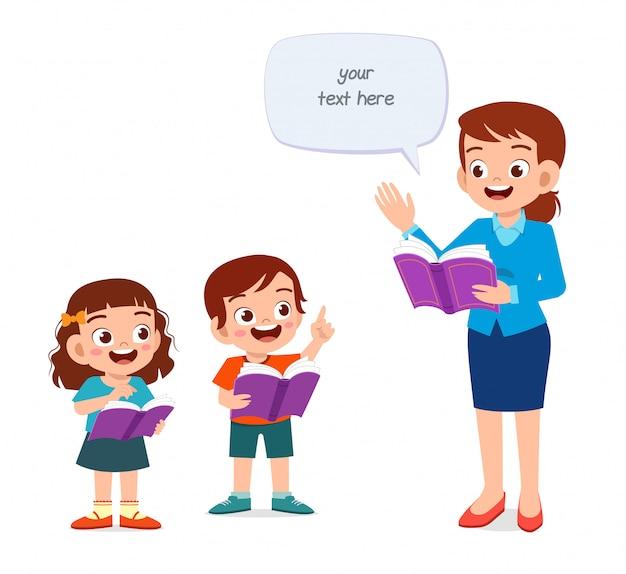 Szczęśliwe Słodkie Dzieci Uczące Się Z Nauczycielem Premium Wektorów