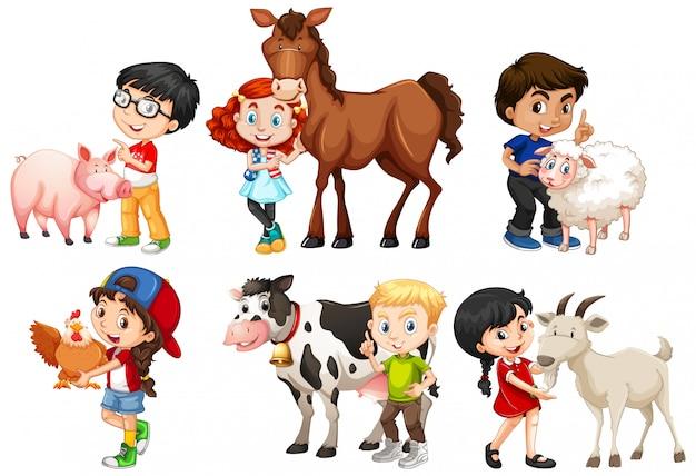Szczęśliwi Dzieci Z Zwierzętami Gospodarskimi Na Białym Tle Premium Wektorów