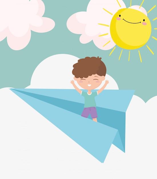 Szczęśliwy Children Dzień, Chłopiec Bawić Się Na Papierowym Samolotu Nieba Słońca Kreskówce Premium Wektorów