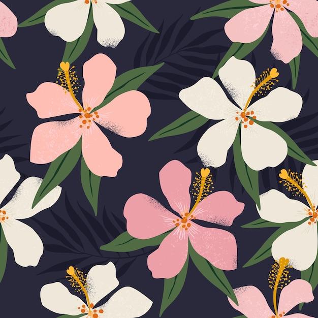 Tropikalne Kwiaty I Artystyczne Palmy Pozostawia Bez Szwu Ilustracji Premium Wektorów