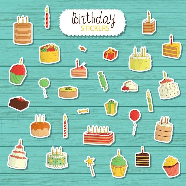 Urodziny ilustrujący styl kreskówkowy. jasne i słodkie ilustracje ciast ze świecami, balonami, prezentami. śliczne naklejki na urodziny. etykiety na świeże ciasto naturalne drewniane Premium Wektorów
