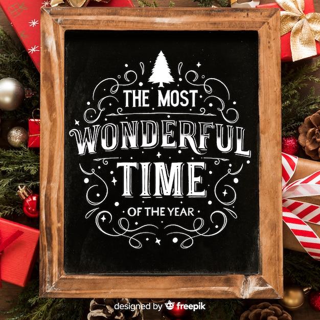 Wesołych świąt bożego narodzenia koncepcja z napisem Darmowych Wektorów