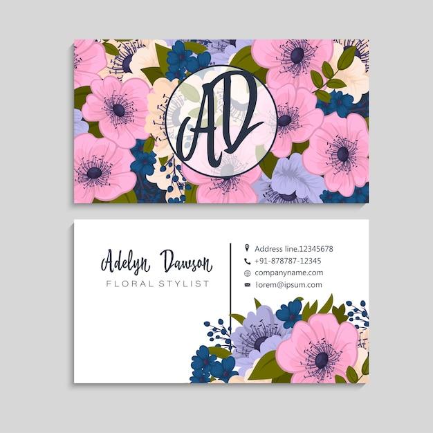 Wizytówka z pięknymi kwiatami. szablon Darmowych Wektorów