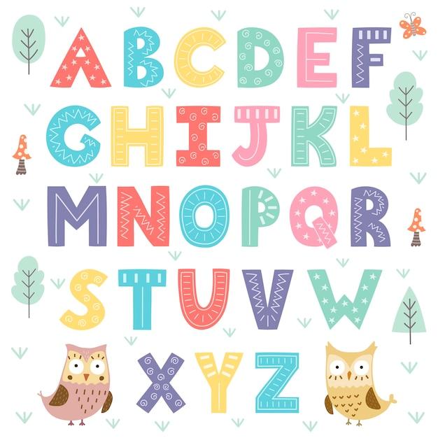 Zabawny alfabet lasu dla dzieci. Premium Wektorów