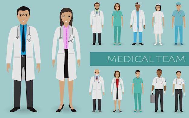 Zespół medyczny. lekarze i pielęgniarki stojące razem. baner internetowy medycyny. personel szpitala. Premium Wektorów