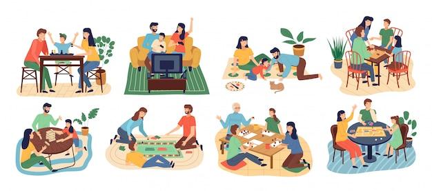Zestaw Gier Planszowych. Zostań W Domu. Rodzice Z Dziećmi Siedzącymi Przy Stole I Grającymi W Gry Stołowe Premium Wektorów