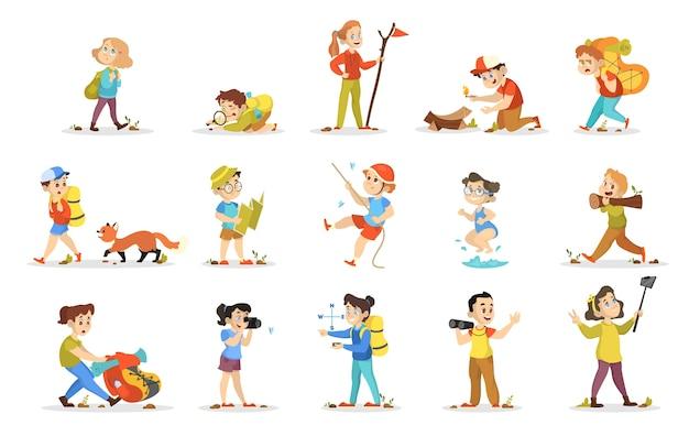 Zestaw Kempingowy Dla Dzieci. Kolekcja Dzieci Chodzących Premium Wektorów