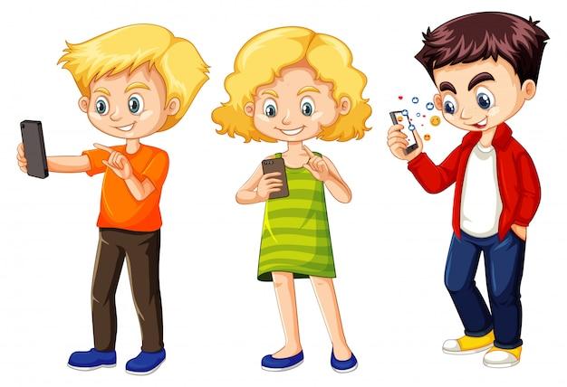 Zestaw Małych Dzieci Za Pomocą Telefonu Darmowych Wektorów