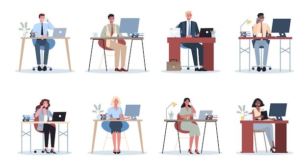 Zestaw Pracownika Biurowego. Charakter Ludzi Biznesu W Biurze. Osoba W Garniturze Wykonująca Inną Pracę. Pracownik W Miejscu Pracy. Ilustracja Na Białym Tle Płaski Wektor Premium Wektorów