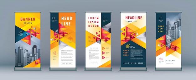 Zestaw rolek biznesowych, szablon transparent standee, trójkąt geometryczny Premium Wektorów
