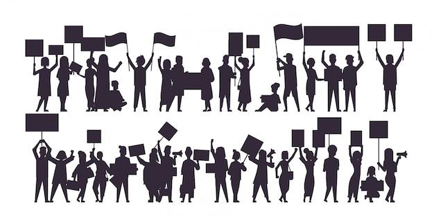 Zestaw Sylwetka Ludzi Tłum Protestujących Gospodarstwa Protest Plakaty Mężczyźni Kobiety Z Puste Głosowania Plakaty Demonstracja Wolność Polityczna Koncepcja Poziomej Pełnej Długości Ilustracji Wektorowych Premium Wektorów