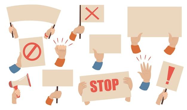 Zestaw Tabliczek Protestacyjnych. Ręce Aktywistów Trzymających Megafony, Banery I Plakaty Ze Znakami Stop. Ilustracja Wektorowa Na Strajk Pracowników, Demonstracja, Koncepcja Zamieszek Darmowych Wektorów