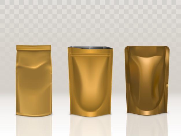 Złota saszetka z papieru lub folii z klipsem i zestawem doy pack na przezroczystym tle. Darmowych Wektorów