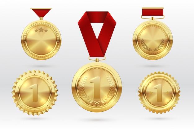 Złoty Medal. Złote Medale Numer 1 Z Czerwonymi Wstążkami. Zdobywca Trofeum Za Pierwsze Miejsce. Wektor Zestaw Premium Wektorów