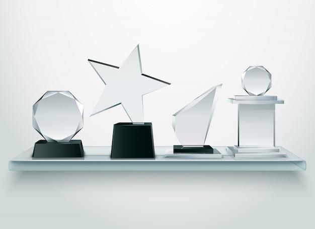 Zwycięzcy konkursów i zawodów sportowych nagradzają kolekcję trofeów szklanych Darmowych Wektorów