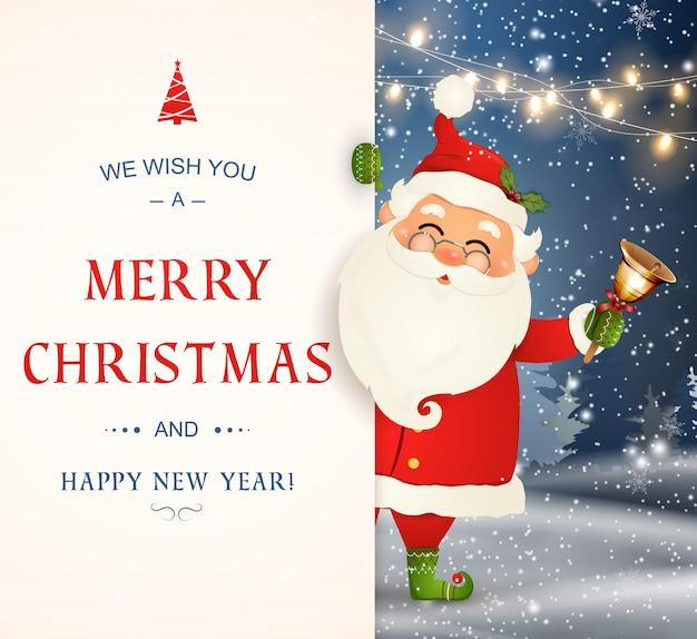 Życzymy Ci Wesołych świąt. Szczęśliwego Nowego Roku. Postać świętego Mikołaja Z Dużym Szyldem. Wesołego Mikołaja Z Dzwonkiem. Karta Z Pozdrowieniami świątecznymi Z Bożego Narodzenia śniegu. Ilustracja Na Białym Tle. Premium Wektorów