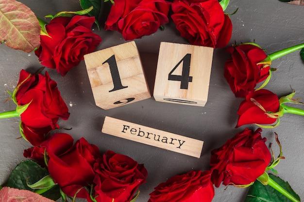 14 lutego w kalendarzu i dekoracjach na walentynki. Premium Zdjęcia