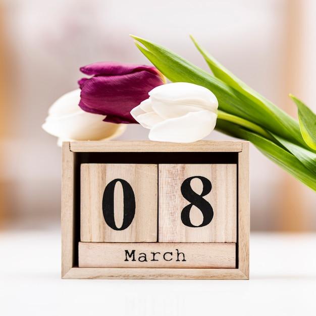 8 Marca Napis Z Tulipanami Darmowe Zdjęcia