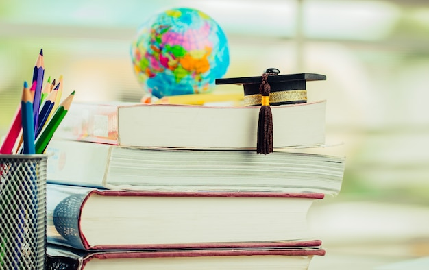 Absolwent Lub Edukacja, Wiedza, Nauka, Nauka Za Granicą Premium Zdjęcia