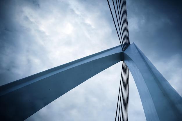 Abstrakcyjne elementy architektoniczne, zbliżenie mostu Premium Zdjęcia