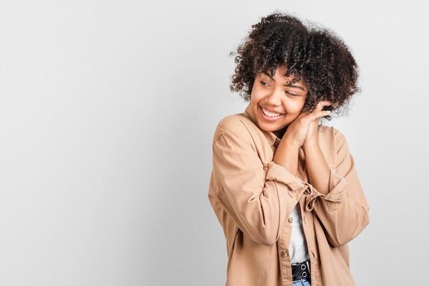 Afro-amerykański Kobieta Odwracając Wzrok Darmowe Zdjęcia