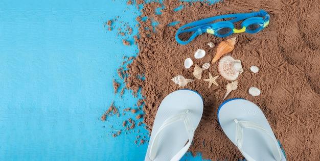 Akcesoria plażowe na piasku Premium Zdjęcia