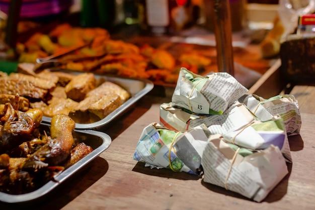 Angkringan Kopi Jos, Indonezyjska żywność Uliczna Premium Zdjęcia