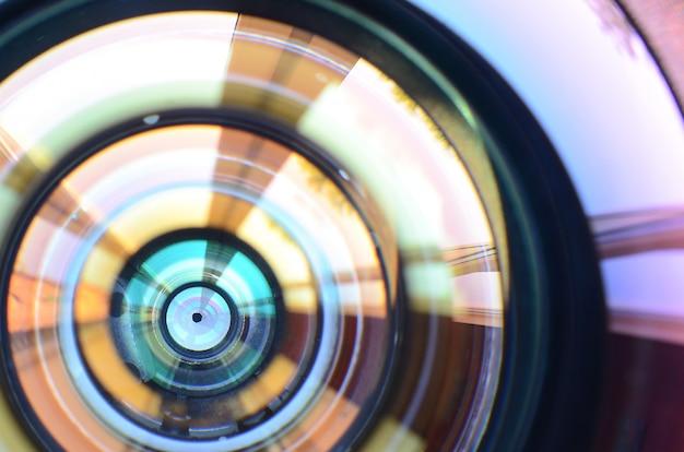 Aparat Fotograficzny Obiektyw Z Bliska Makro Widok. Premium Zdjęcia
