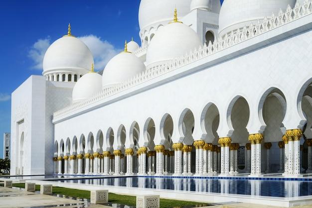 Arabski Styl Biały Meczet Premium Zdjęcia