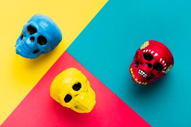 Aranżacja z kolorowymi czaszkami Darmowe Zdjęcia