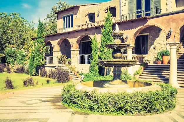 Architektura Włochy Zewnątrz Góry Europa Darmowe Zdjęcia