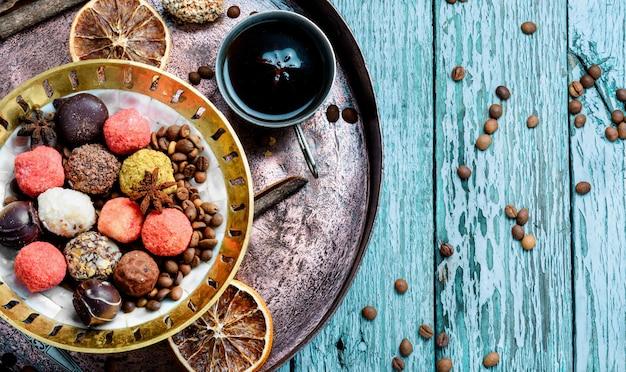 Asortyment Cukierków Czekoladowych Premium Zdjęcia