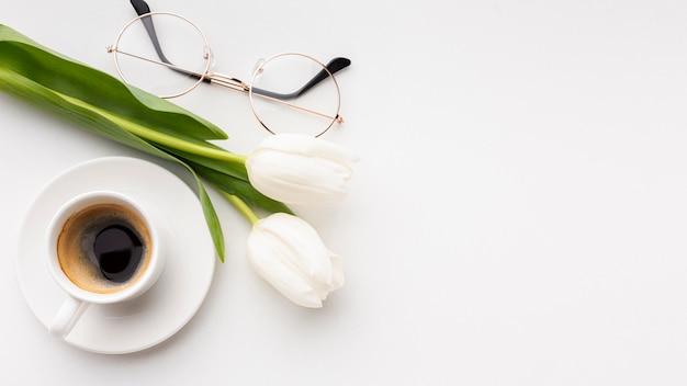 Asortyment Dnia Kobiet Na Białym Tle Z Miejsca Kopiowania Darmowe Zdjęcia