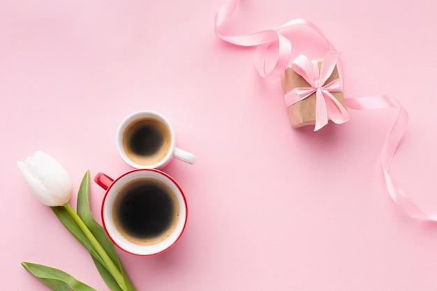 Asortyment Dnia Kobiet Na Różowym Tle Darmowe Zdjęcia