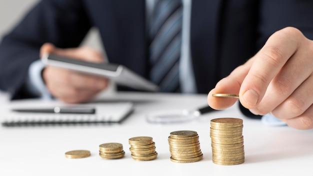 Asortyment Elementów Biznesowych Finansów Widok Z Przodu Darmowe Zdjęcia