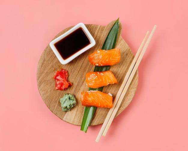 Asortyment Japońskiego Sushi Z Widokiem Z Góry Darmowe Zdjęcia