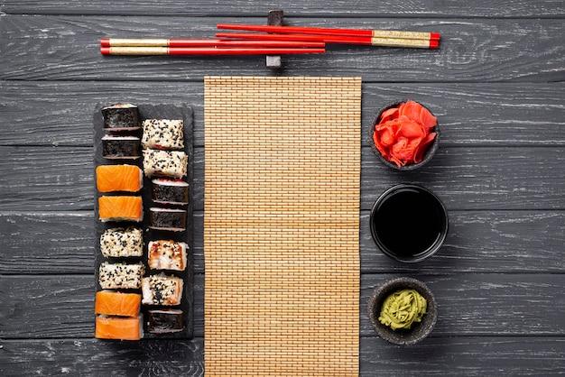 Asortyment Maki Sushi Na Płasko Darmowe Zdjęcia