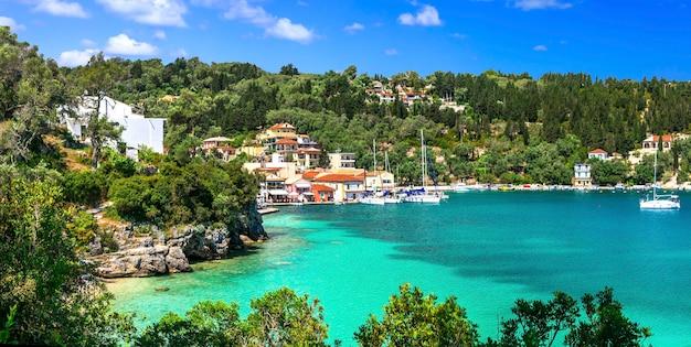 Autentyczna Grecja - Piękne Paxos. Wyspy Jońskie Premium Zdjęcia