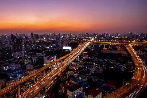 Autostrada I Główny Ruch Drogowy W Bangkok, Tajlandia Premium Zdjęcia