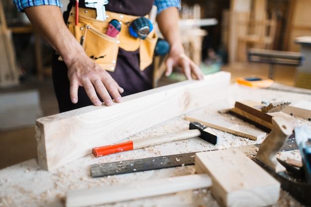 Badanie Jakości Drewnianej Deski Darmowe Zdjęcia
