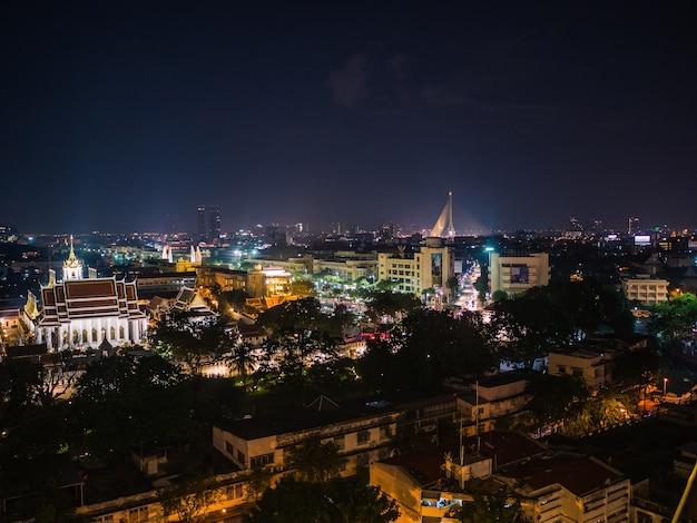 Bangkok Cityscape Widok Od Złotej Góry W Wat Saket Temple Tajlandia. Premium Zdjęcia