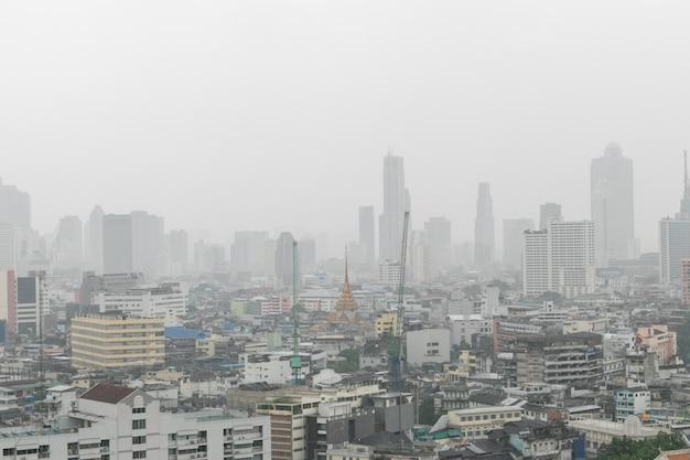 Bangkok Miasto Budynek W Padającym Dniu Premium Zdjęcia