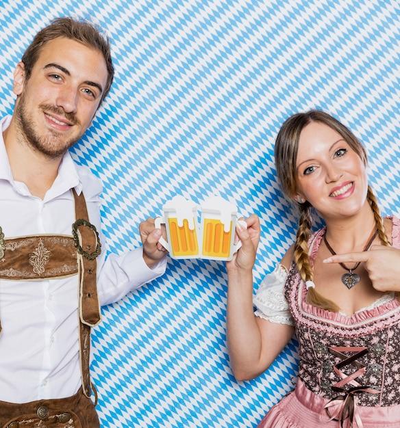 Bawarska Para Przygotowywająca Na Oktoberfest Darmowe Zdjęcia
